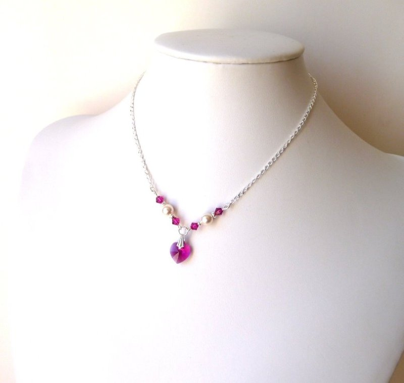 GN17-GIRLS-pearl and fuchsia crystal heart necklace
