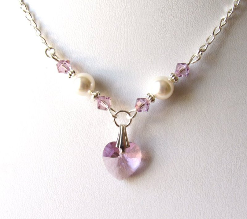 GN4-LIGHT-AMETHYST-NECKLACE-FOR-GIRLS