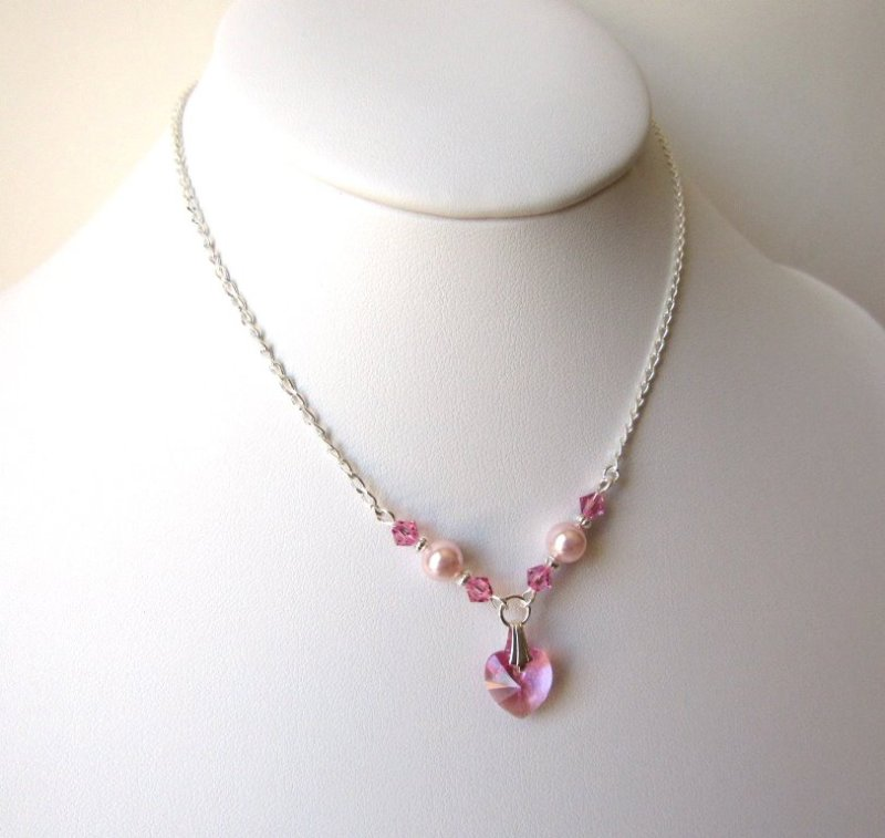 girls-pink-pearl-crystal-necklace