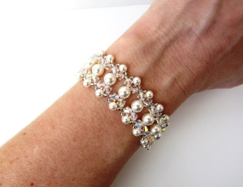 WB10-unique beaded pearl bracelet with crystals