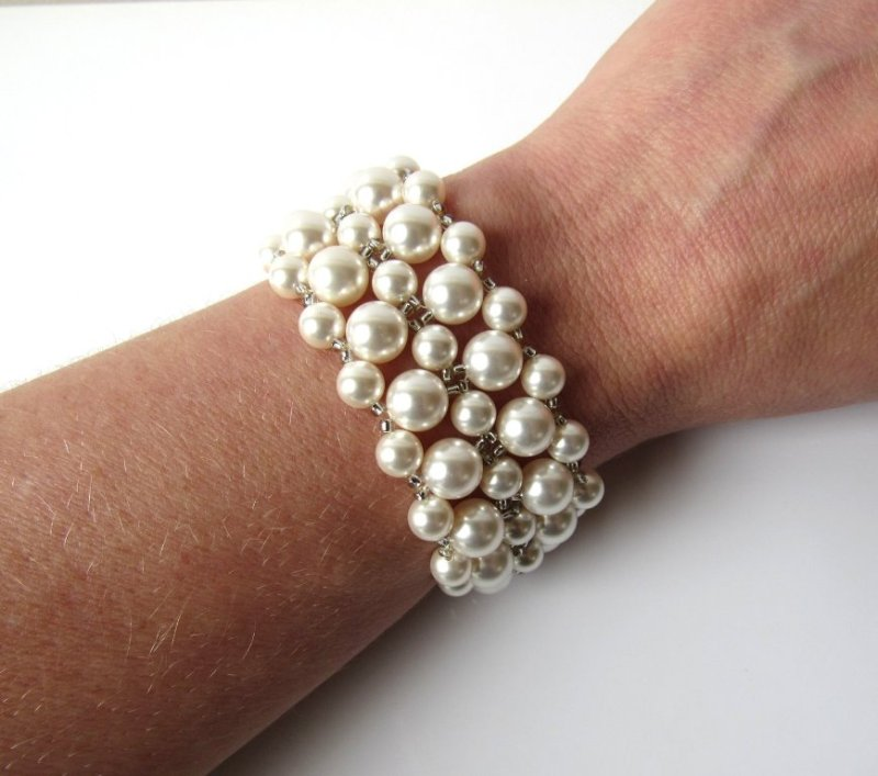 WB11-beaded pearl cuff bracelet
