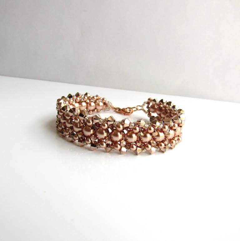 WB16-rose gold crystal and pearl beaded bracelet