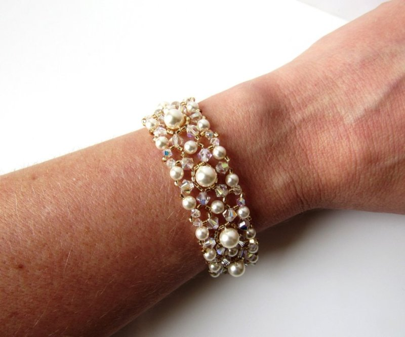 -pearl crystal gold bracelet beaded