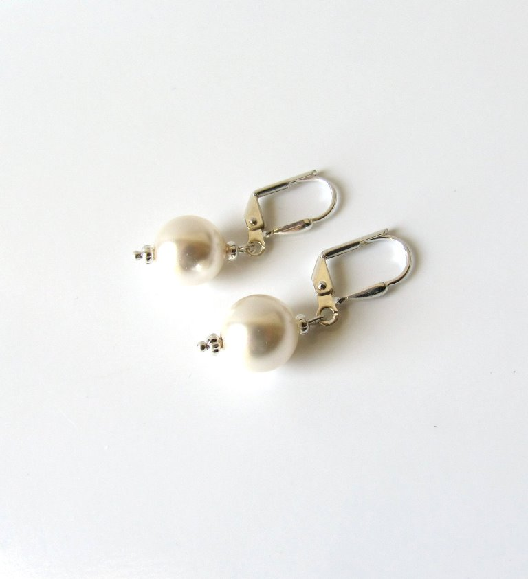 WE9-Pearl drop earrings 10mm
