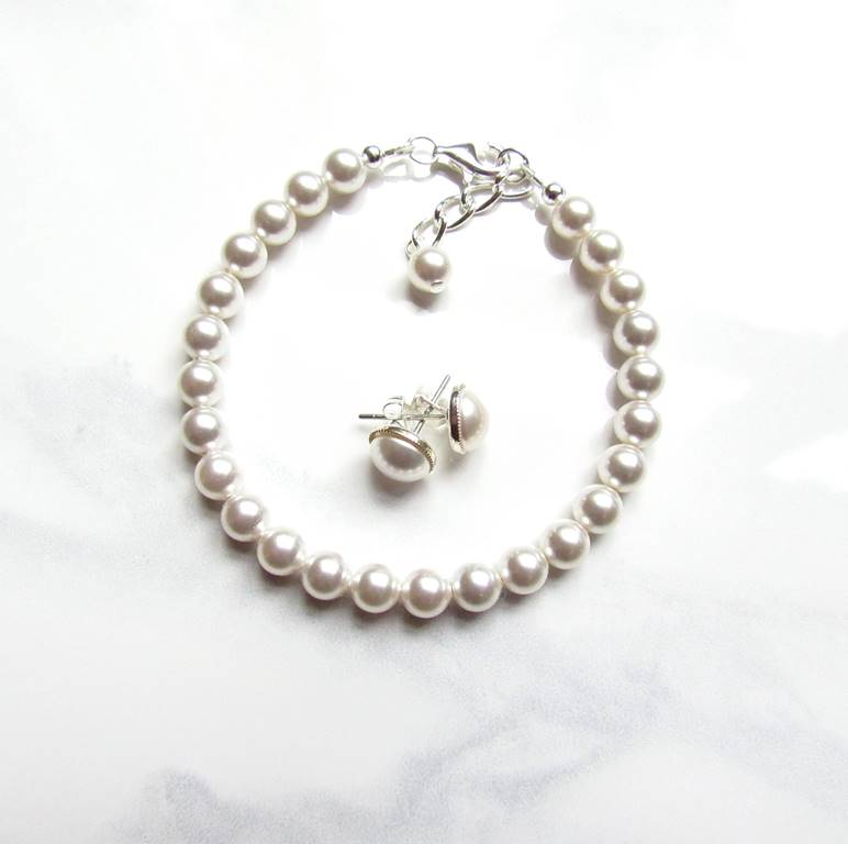 WS12-Pearl bracelet and stud earring set