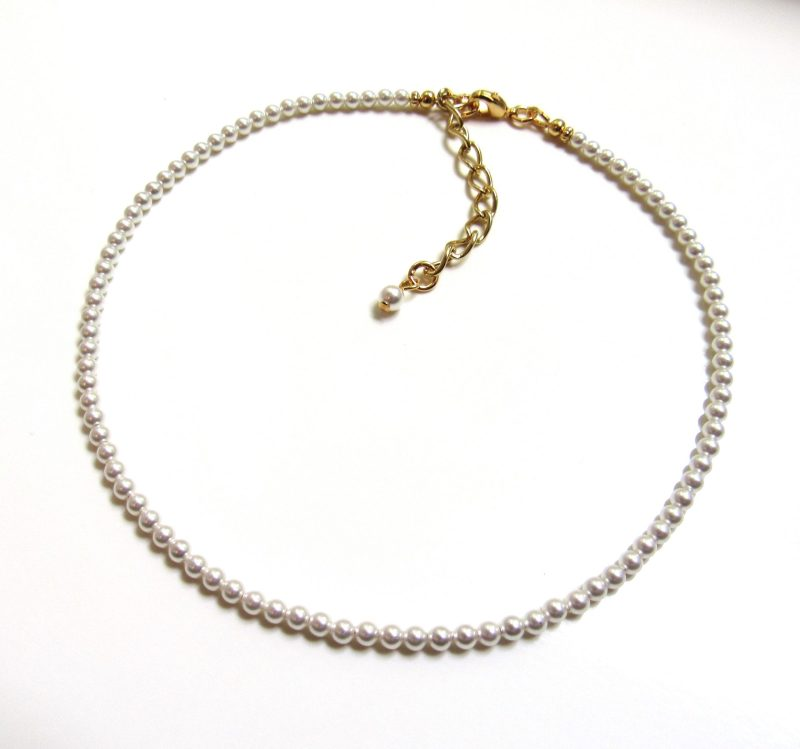 Tiny pearl choker necklace gold