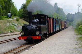 Östra Södermanlands järnväg, ångans dag 2017, loket Nian anländer till Läggesta
