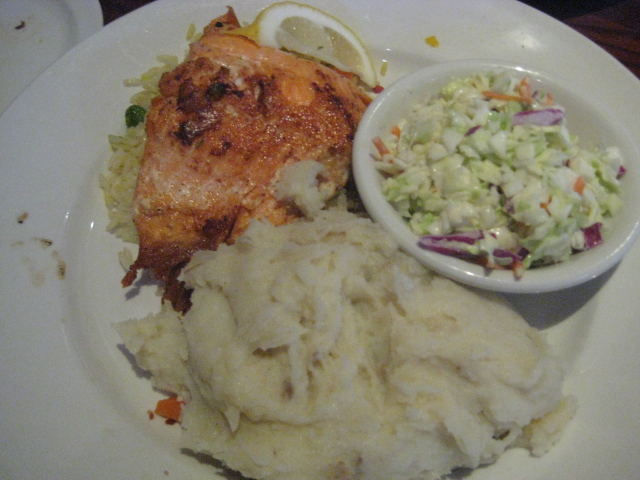 Cheddar's Casual Cafe| Katy, Texas | Grilled Salmon