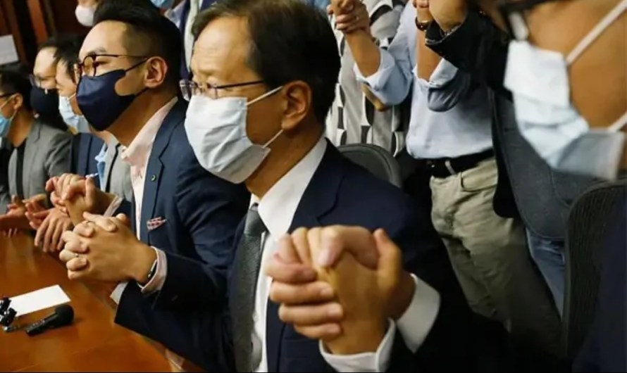 Hong Kong Lawmakers resign en masse in protest to Beijing