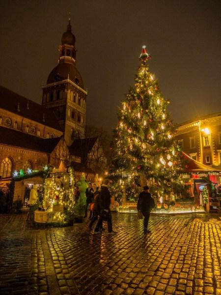 Marché de Noël, Place du Dôme à Riga