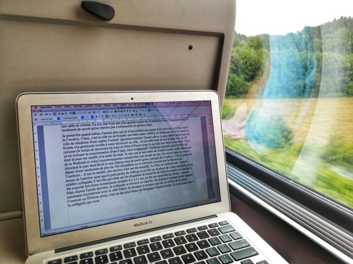 Ecrire dans un train de la SNCB