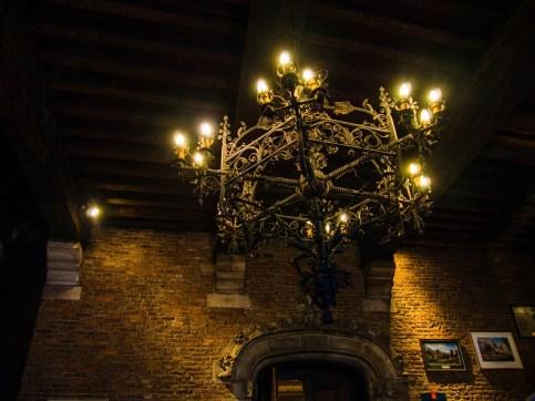Visiter Mons : Salle des Sacquiaux de l'hôtel de ville