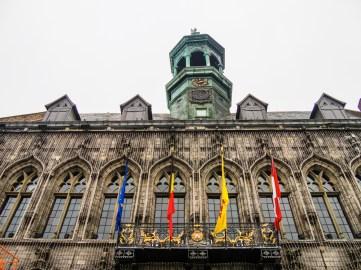 Visiter Mons : Hôtel de ville