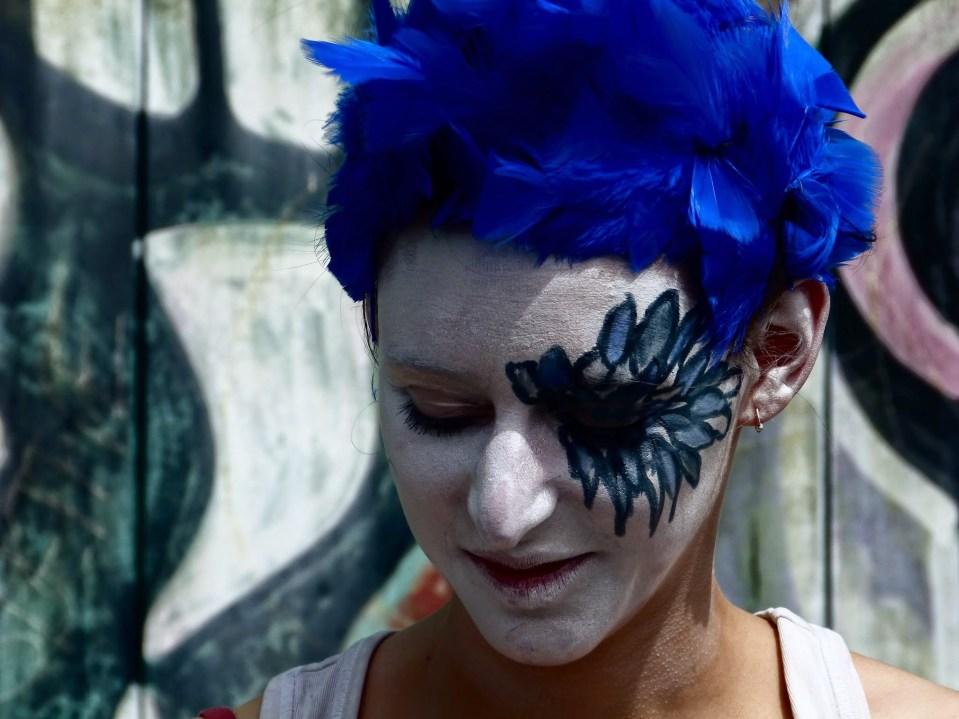 Scénographie théâtre Mécanique, portrait de la Femme oiseau, Assilem décors, scénographe Bordeaux, peintre en décor, peintre décoratrice