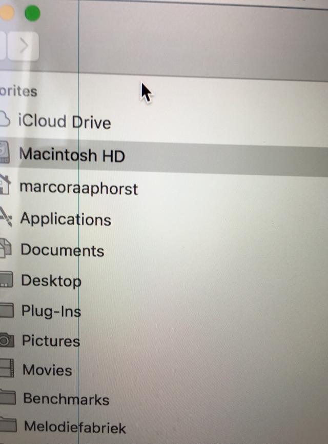 vertical-line-macbook-issue