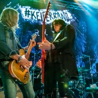 Tom Keifer Rises Up With Phenomenal Vogue Performance