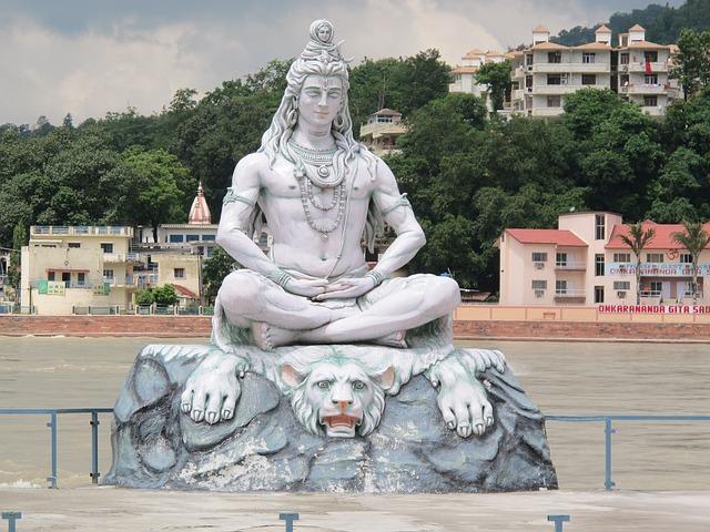 Shiva in meditative pose at Rishikesh