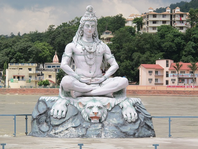 Shiva in meditative pose at Rishikesh
