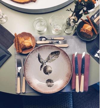 vajilla-los-platos-de-pan-decoración-mesa-navidad