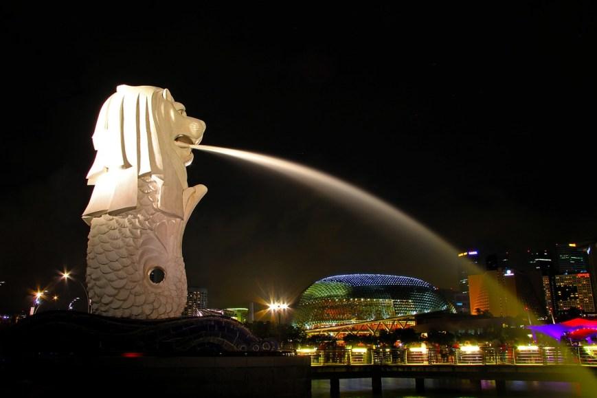 estatua de Merlíon es un emblema que ver en singapur