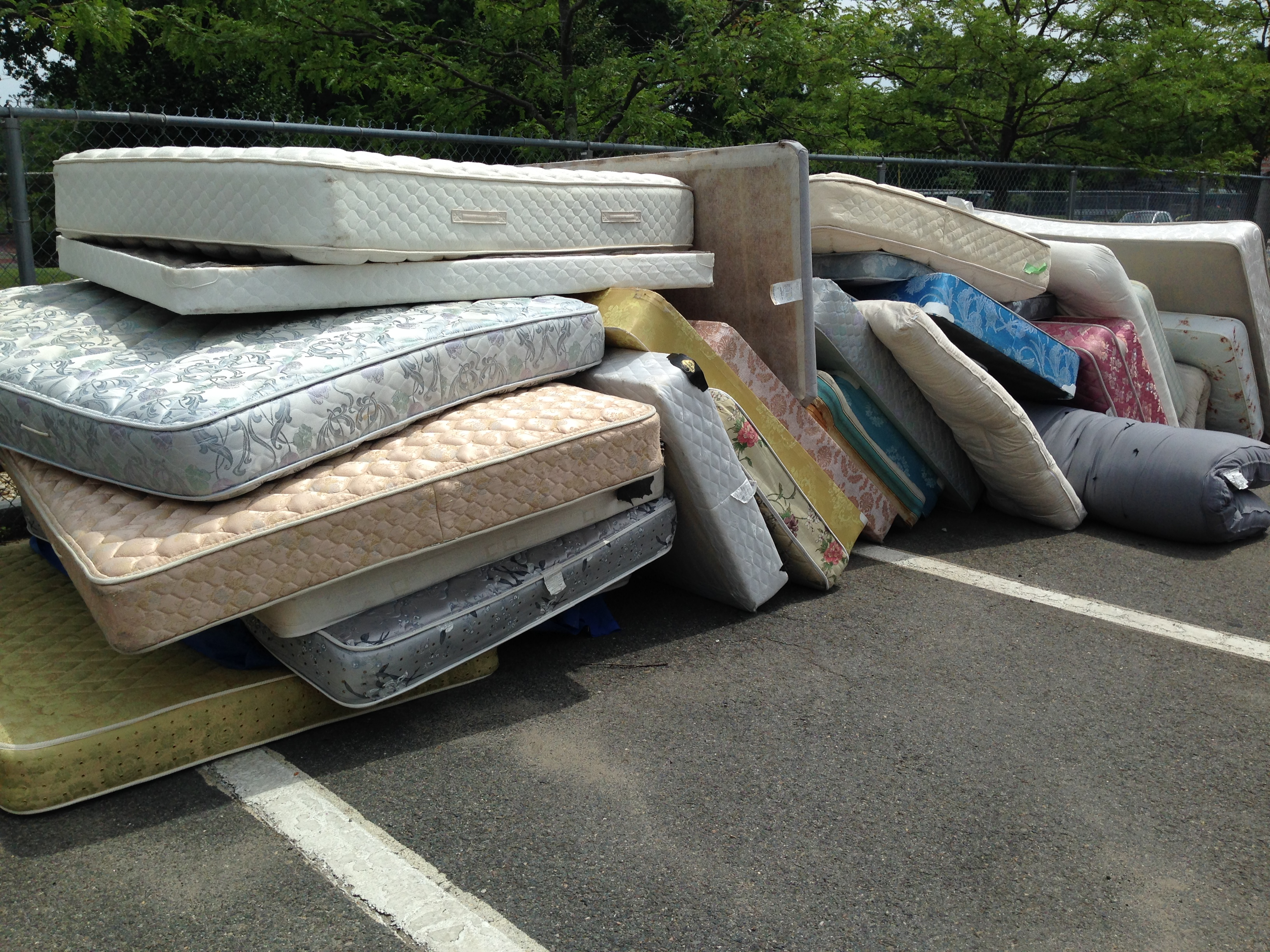 How To Dispose Of A Used Mattress How To Dispose Of An