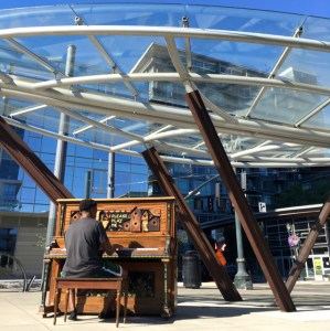 best coffee cities in the United States_Portland_public piano playing