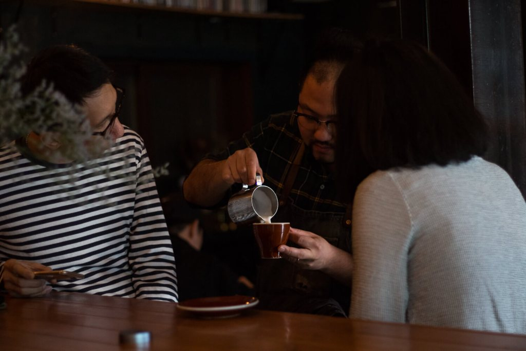 Specialty Coffee in Seoul_hell cafe_sung eun lim latte art