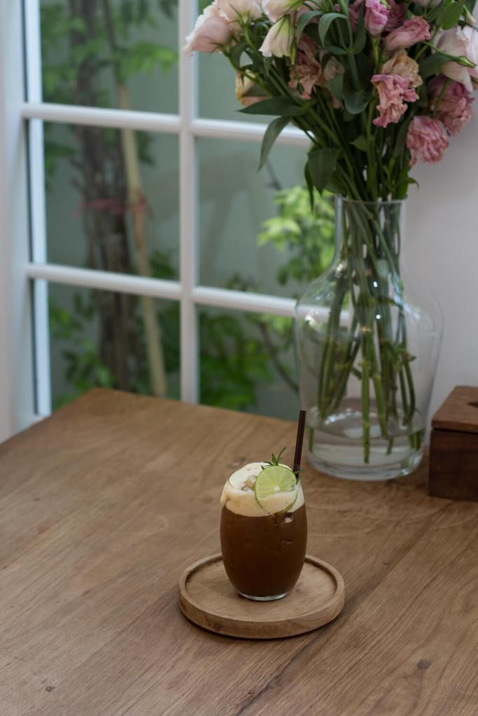 mels-coffee-travels-signature-drinks-chiang-mai-baristro-honey-lemon-coffee