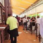 """Mercado Lonja del Barranco - Meidenweekend Sevilla - heerlijk op terras met oesters & wijn - Mels Feestje"""""""