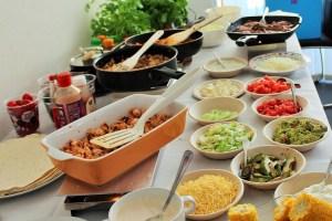 """Mexicaanse verjaardagshapjes - tacos en tortilla buffet bar met heerlijke bijgerechten - Mels Feestje"""""""