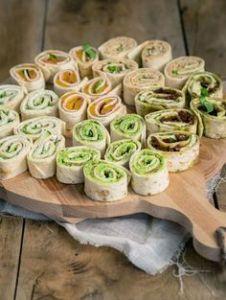 """Tuinfeest - gevulde wrap rolletjes makkelijk vooraf te maken - Zomer hapje - Mels Feestje"""""""