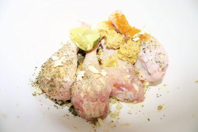 marinade voor de kip met knoflook mosterd citroen en olie - recept van mijn moeder - voor op de gas BBQ - Mels feestje en Feest hapjes