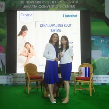 Foto bareng dr. Reisa