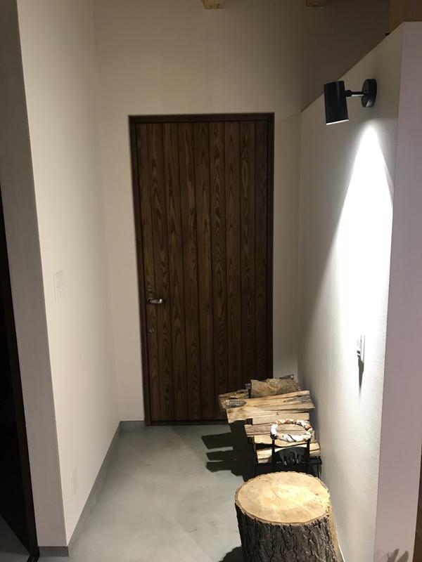センサー付照明 玄関