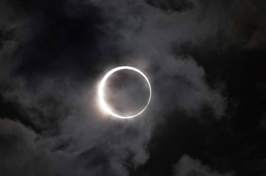 A total solar eclipse stopped a battle.