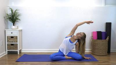 Pilates for Beginners – 10 Minute Pilates Basics!