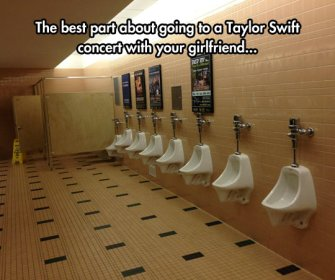 wpid-funny-bathroom-taylor-swift-concert-empty.jpg