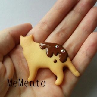 猫クッキーブローチ