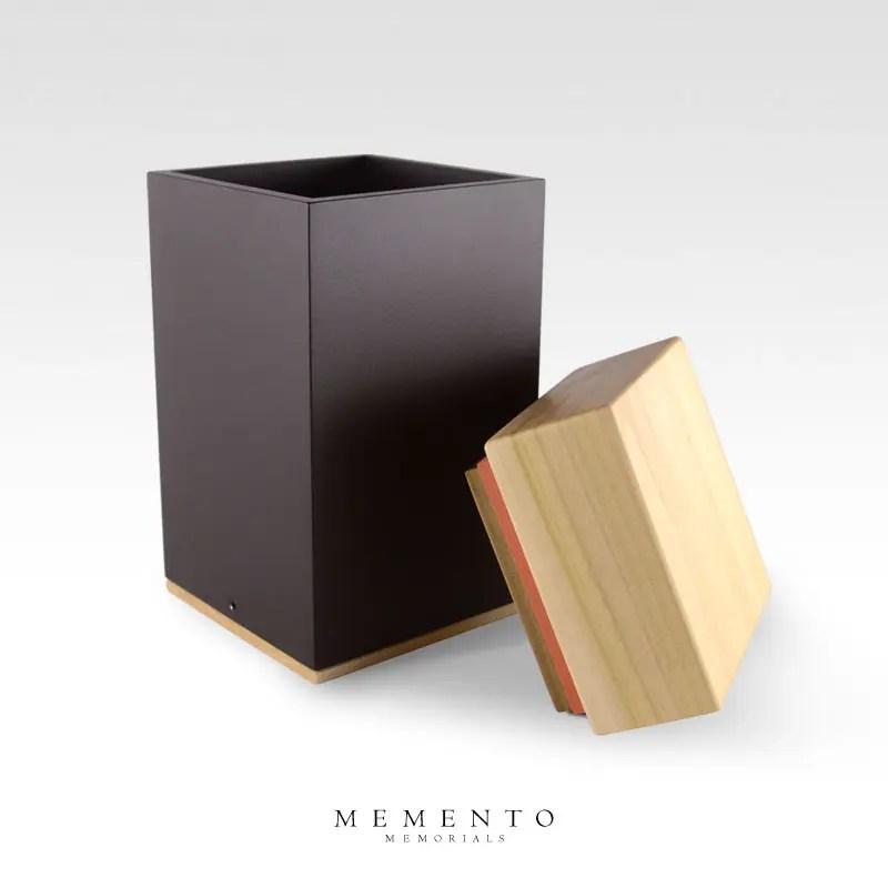 Meta Poplar Mid Size Cremation Urn