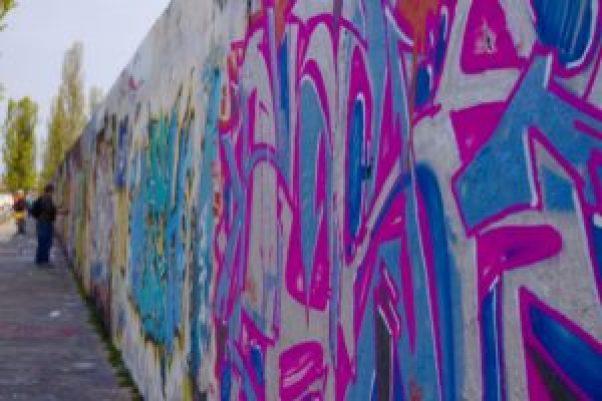 Mur de Berlin à Mauerpark Berlin Mémoire pleine