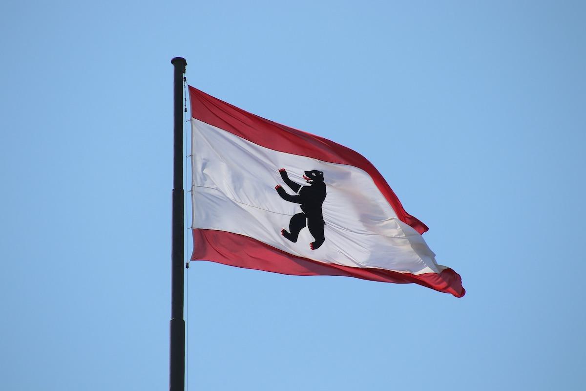berlin-origine-nom-drapeau-ours