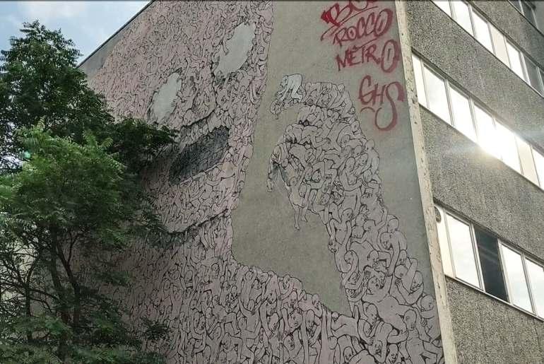 street art berlin-itineraire-kreuzberg-blu-pink-man