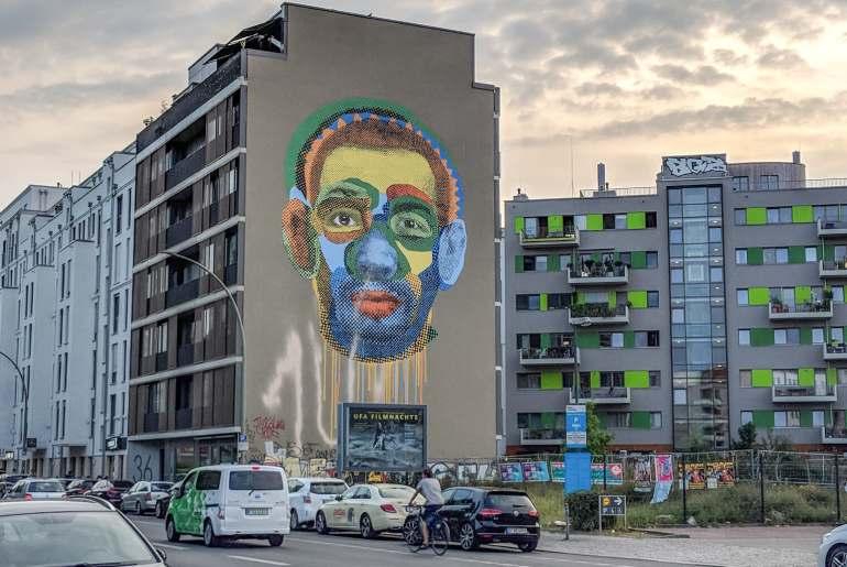 street art berlin-itineraire-kreuzberg-face-time-various-and-gould