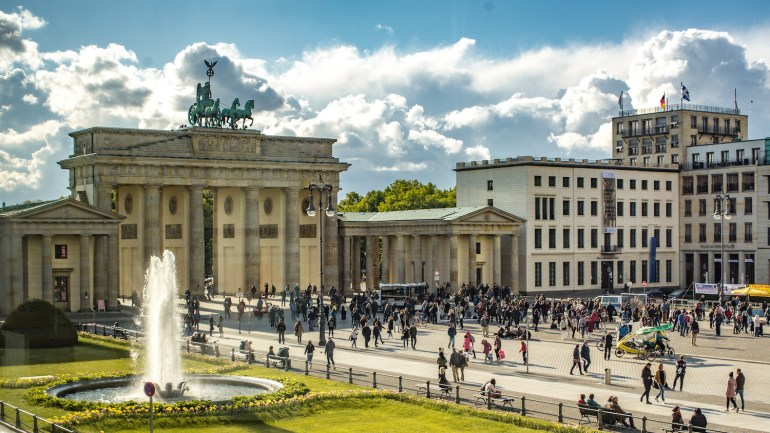 La porte de Brandebourg vue d'en haut à Berlin