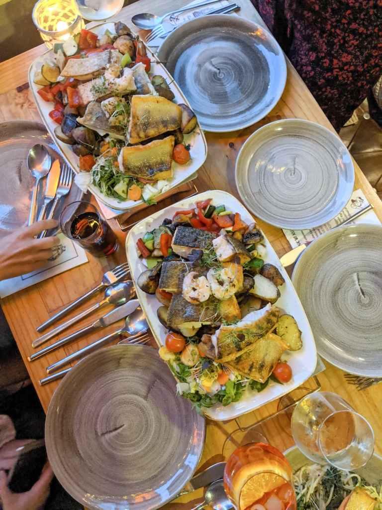 Plateau de poissons du restaurant Zum Skipper, à Sellin, sur l'île de Rügen
