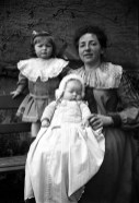Germaine, Anne-Marie et leur mère 1903