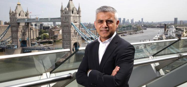 LONDRES – Le maire Sadiq Khan soutient un Musée à la mémoire de l'esclavage des noirs