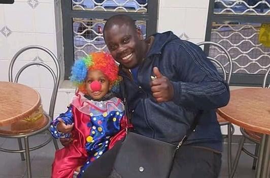 LISBONNE – Un acteur Noir de 39 ans tué « par la haine raciale » ce samedi 25 juillet