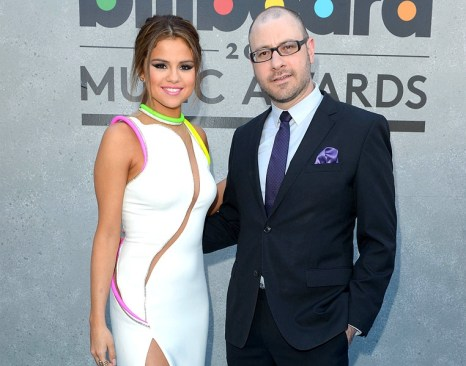 selena-gomez-bill-werde-blue-carpet-bbma2013-600