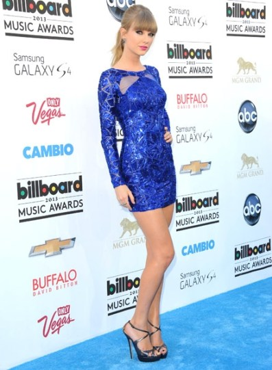 taylor-swift-blue-carpet-bbma2013-600